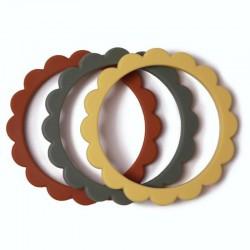 Mushie - 3 gryzaki silikonowe bransoletki FLOWER Clay & Dried Thyme & Sunshine